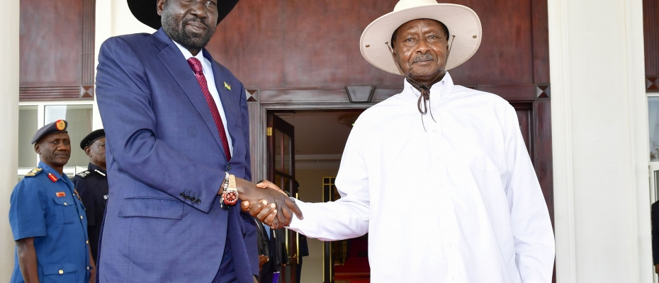 President Museveni welcomes his guest Salva Kiir. PPU photo