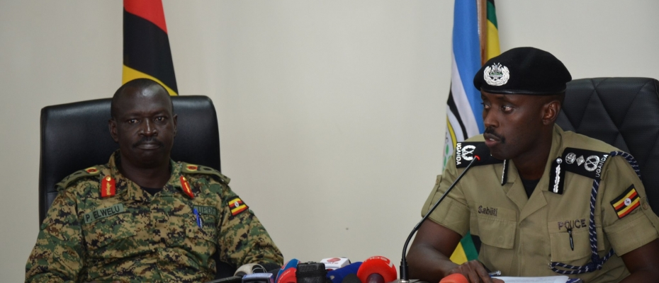Deputy IGP Sabiiti Muzeeyi addresses Journalists together with Gen Peter Elwelu Commander UPDF Land Forces. Courtesy photo