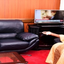 Speaker Kadaga (R) and Ambassador Ha Byung-Kyoo at the meeting in her Parliament office