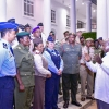 President Museveni Interacts with officers from the South African Defence College. PPU Photo